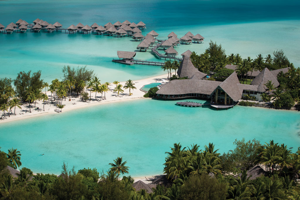 aerial view le meridien bora bora travelism and. Black Bedroom Furniture Sets. Home Design Ideas